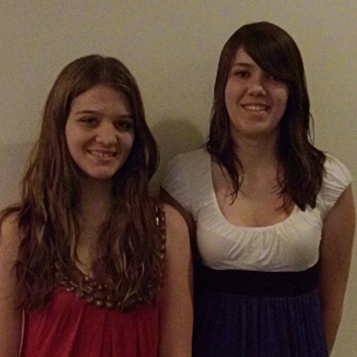 Shannon (15) & Mikayla (16) Diesch, founders of Solar Flare